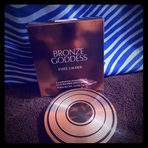 Estee Lauder Makeup - Esteem Lauder Bronzer & make up bag